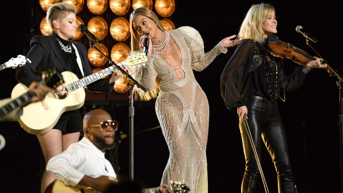 cma-dixie-chicks-beyonce
